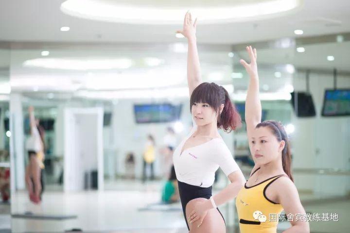 舍宾:女生该如何正确的健身?